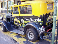 Well-known Tangos sung by Carlos Gardel:  A Media Luz and Yira... Yira (English Lyrics).