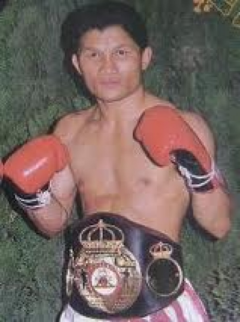 Khaosai Galaxy was a boxer puncher who knew how to judge distance and how to close distance with precision.