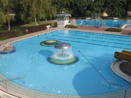 Fresh water pool or salt water pool for Salt water pool