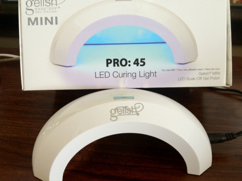 The Gelish Pro: 45 Mini LED Light