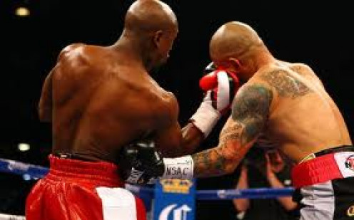 Floyd Mayweather vs Miguel Cotto was a very competitive bout in which Money Mayweather fought hard to earn a close unanimous n