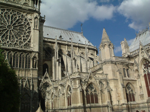 Impressive flying buttresses