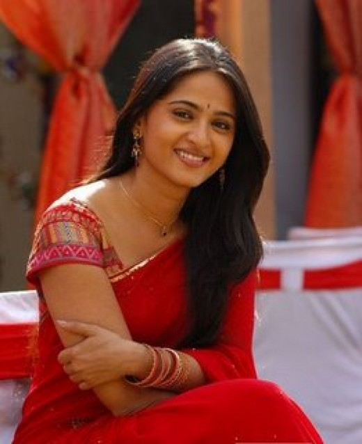 Telugu and Tamil Actress Anushka pictures Excusively520