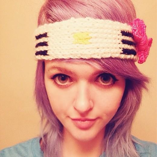 Hello Kitty Sweatband - Free Knitting Pattern