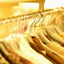 How to De-Clutter and Organize a Closet