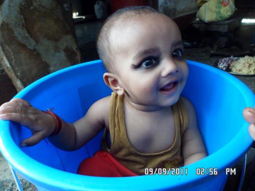 A baby Bath.