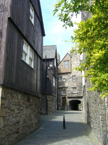 Baker's Close - one of the many narrow paths leading off the Canongate area of the Royal Mile