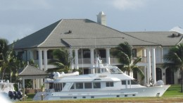 During our boat tour we passed Oprah Winfrey's house in Nassau, Bahamas. Tom Cruises house was not far from her house.