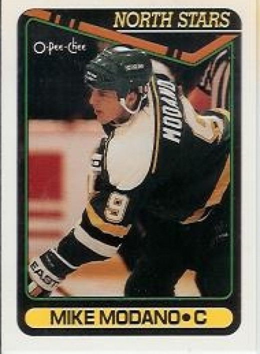 1989 Minnesota North Stars number 9 Mike Modano - rookie card