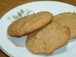 Yummy peanut butter cookies can be made without lactose.