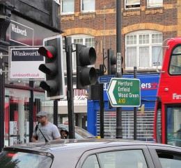 Provide bad customer service, and prepare to stop traffic to your business. (CC BY-SA 2.0) Image by Alan Stanton.