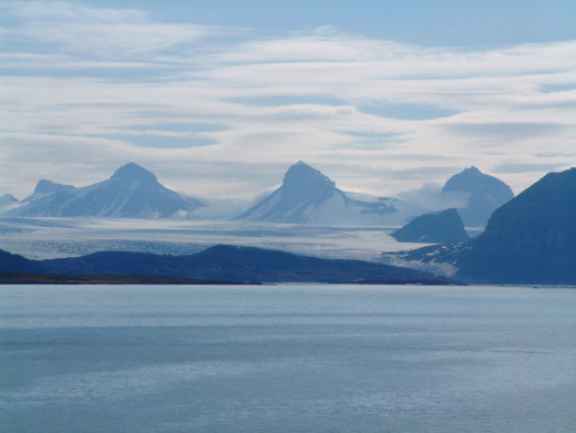 Ny Alesund, Svalbard on a warm summer day in July. (July 5th)