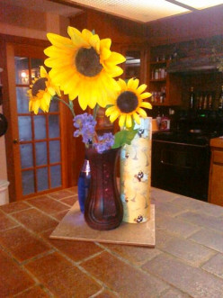 I am in love with this old vase now. What do you think? Beautiful Black Red Vase