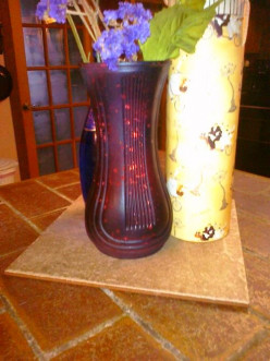 Love the look from clear drab vase to red black fab. Drab to fab in just a few minutes