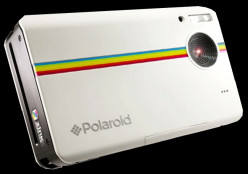 Digital Camera from Polaroid Z2300, Offers Instant Prints