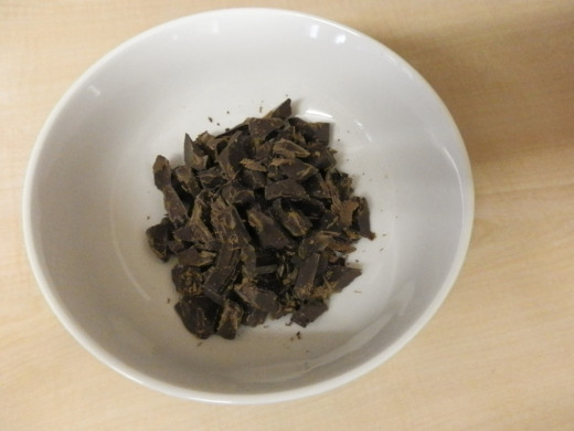 100 g plain chocolate chips or chunks