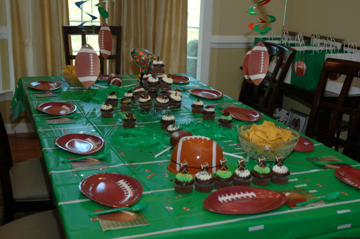 Fun Football Tablescape!