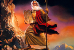 Moses and the tablets of Ten Commandments of God (Photo Credit: http://www.fanpop.com/)