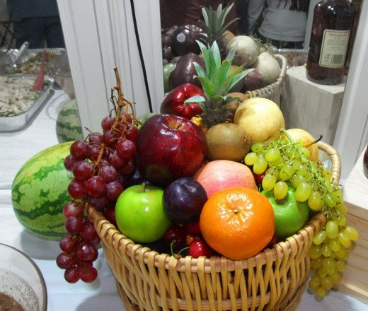New Year's Eve 12 round-shaped fruits attracts good fortune.