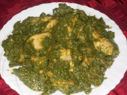 SPINACH AND FENUGREEK LEAVES CHICKEN CURRRY RECIPE