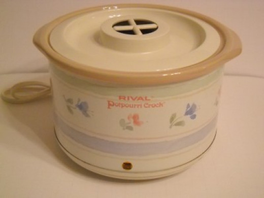 Potpourri Crock - For Potpourri or Fragrance Oil