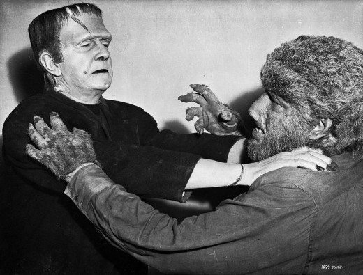 Bela Lugosi and Lon Chaney Jr in Frankenstein Meets the Wolfman (1943) Publicity still