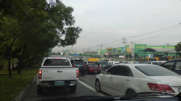 A typical traffic situation in Metro Manila (Photo taken in Commonwealth Avenue, Quezon City; 9/24/12)