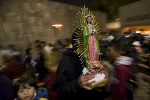 December is the month when most of the inhabitants of Mexico celebrates anniversary celebrations associated with Our Lady of Guadalupe. But Mexicans are not only Catholics. Several million people in this country worships the Holy Death.