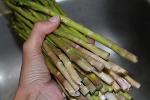 Wash your asparagus