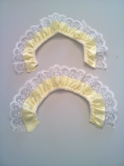 Straps made from lace frill