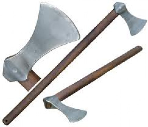Another characteristic of war-art, different axe-types, the middle one being the favoured Dane Axe - not a lot of use in the shieldwall, however!