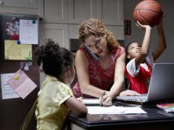7 Tips For Single Moms Trying to Find Time For School And Thier Kids