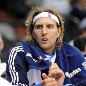 Dirk set to destroy.