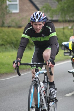 Follow proper cycling etiquette to stay safe on the roads