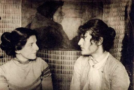 Paula Modersohn-Becker and Clara Westhoff in a Worpswede studio