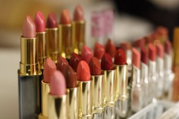 Keep plenty of pink and brown lipsticks on hand as they are the best lipstick colors for green eyes.