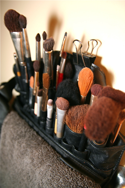 A good makeup brush can provide great foundation coverage