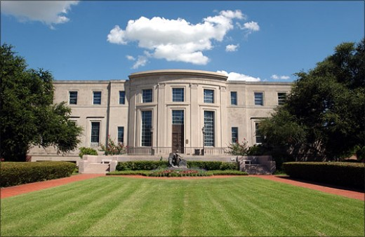 View of the Baylor Armstrong Browning Library from the outside