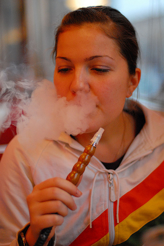 smoking shisha in America