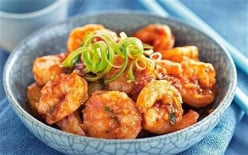 CRISPY PRAWNS IN GARLIC AND CHILLI SAUCE RECIPE