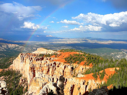 A place called rainbow hills near Bryce Canyon, look how absolutely GORGEOUS this place is, simply amazing!