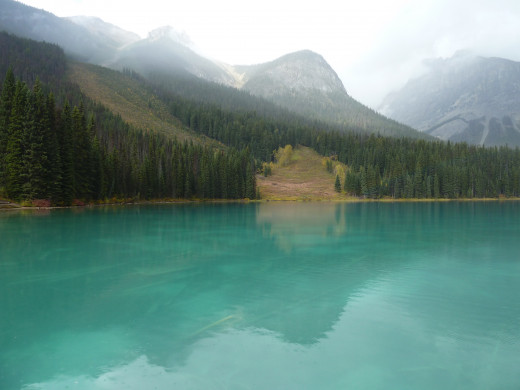 Emeral lake between Lake Louise and Jasper