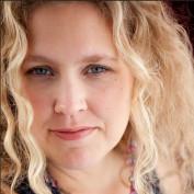 Julie DeNeen profile image