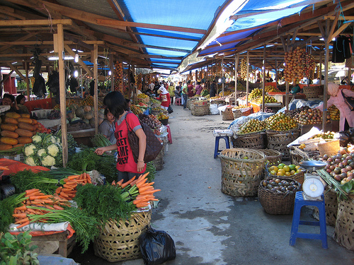 A market at Brastagi.