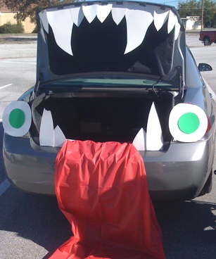 Turn your trunk into a monster mouth for Trunk or Treat!