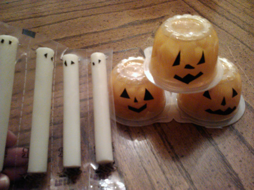 These treats are easy to custom make!  Just add eyes and faces with either black electrical tape or permanent markers!