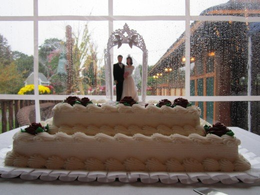 Wedding Cake tastes better when you host your wedding at Chamberlain Farm Pavilion!