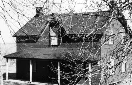 Abandoned C.N.R. Station Master's house, Port Union