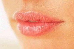 How to make your own natural lip plumper