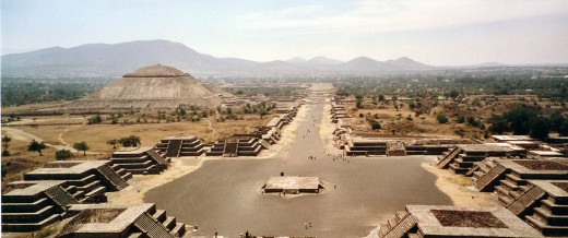 The Impressive Avenue of the Dead. Imagine it teeming with people!
